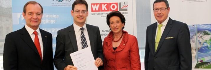 """Verleihung des Titels """"akkreditierter CSR Expert"""" an Peter Rieder"""
